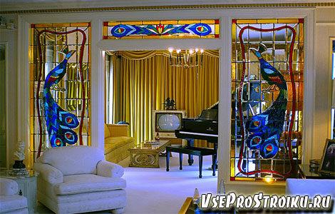 vitrazhi-na-stekle-v-interere-2276348