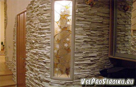 vitrazhi-na-stekle-v-interere2-5674639