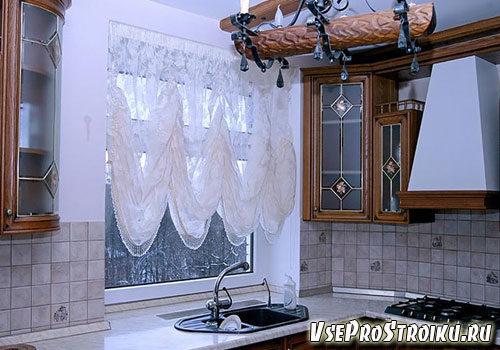 kak-oformit-okno-na-kuxne1-6068165